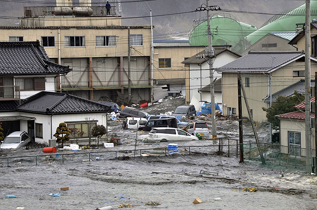 20110311_tsunami-damage-in-japan_33